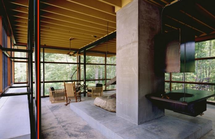 12). Interior